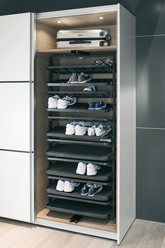 Pull out shoe rack, rotating 180°, for up to 20 or 50 pairs of shoes